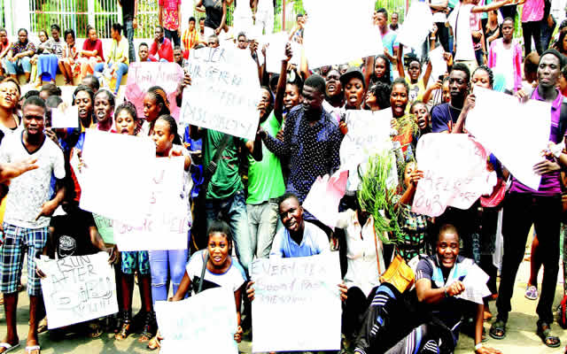 jamb-protesters
